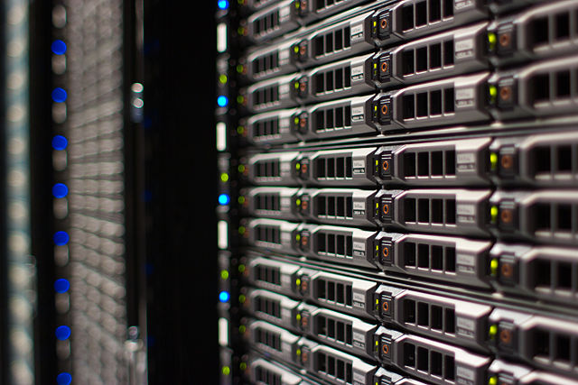 640px-Wikimedia_Foundation_Servers-8055_14