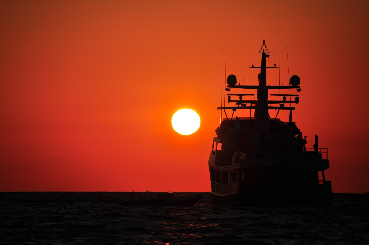sunset_ship_silhouette_sun_summer_sea_horizon_greece-484399